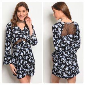 💥MEGA SALE💥Pretty Blue and Black Floral Dress